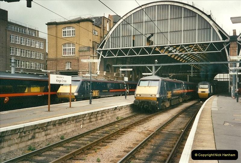 2000-04-25 London Kings Cross.   (10)366