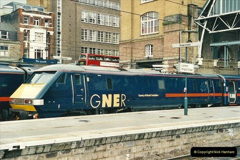 2000-04-25 London Kings Cross.   (14)370