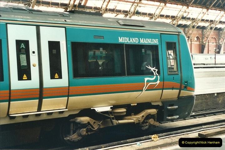2000-04-25 London St. Pancras.   (17)375