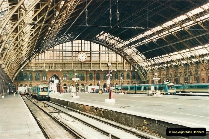 2000-04-25 London, St. Pancras.   (15)378