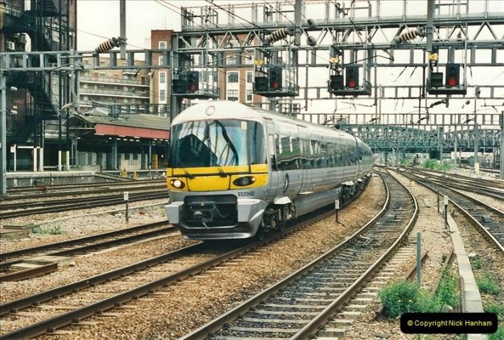 2000-05-03 London Paddington.  (24)406