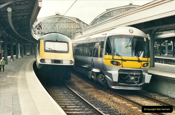 2000-05-03 London Paddington.  (25)407