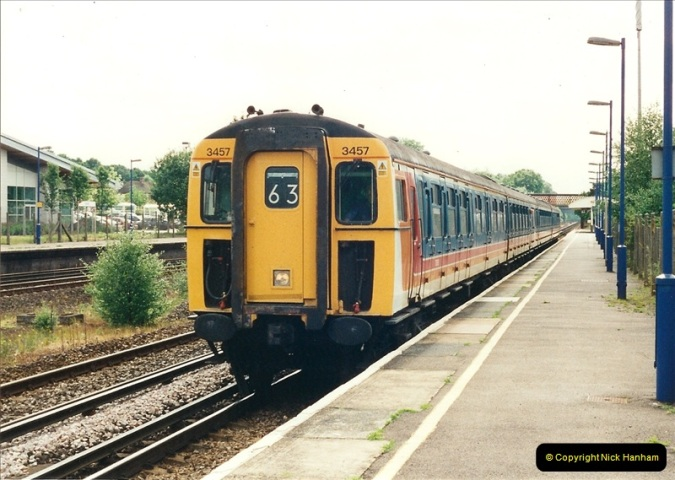 2000-06-11 Hook, Hampshire.  (3)414