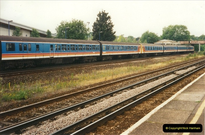 2000-06-11 Hook, Hampshire.  (4)415