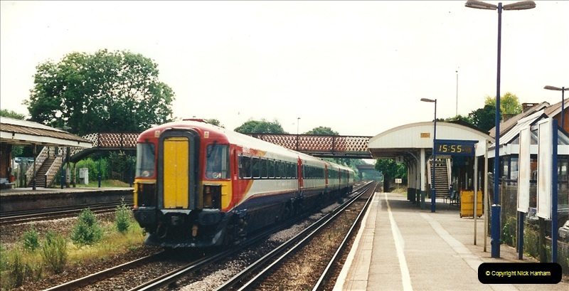 2000-06-11 Hook, Hampshire.  (8)419