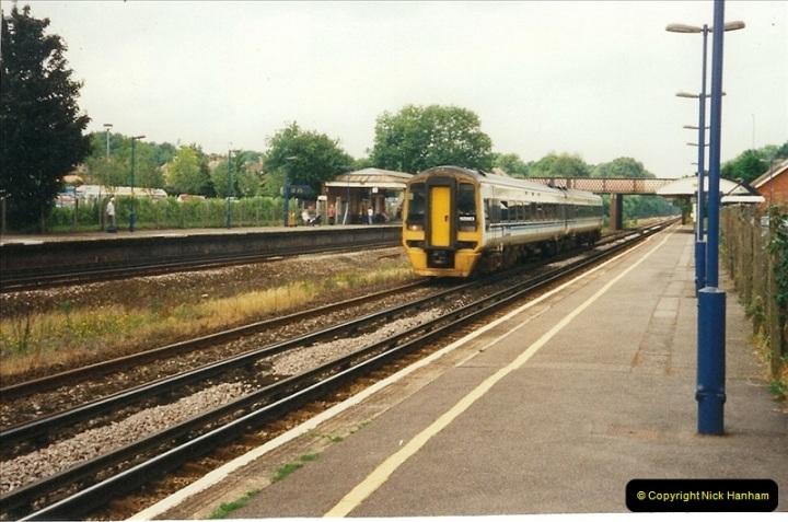 2000-06-11 Hook, Hampshire.  (12)423