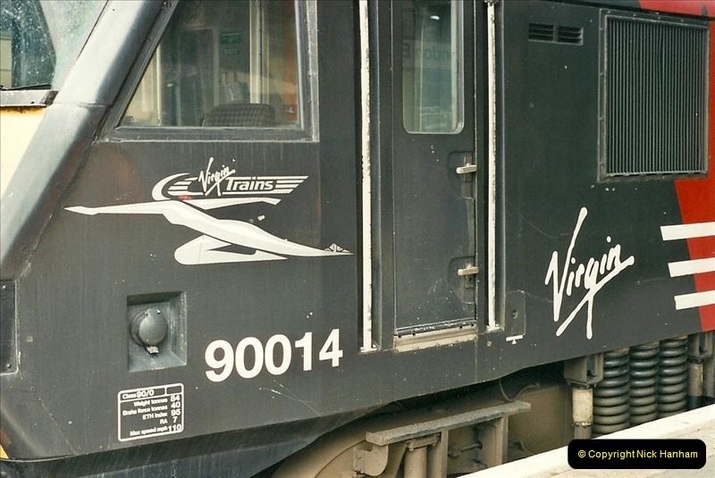 2000-07-22 to 23 London Euston.  (3)  467