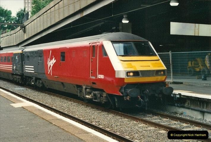 2000-07-22 to 23 London Euston.  (5)  469