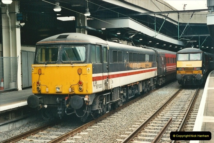 2000-07-22 to 23 London Euston.  (6)  470
