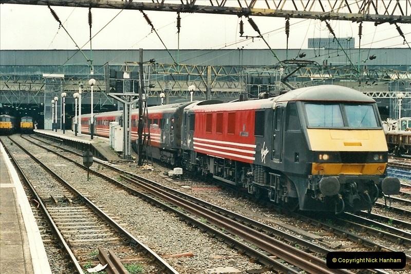 2000-07-22 to 23 London Euston.  (13)  477