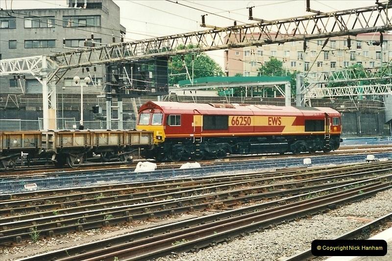 2000-07-22 to 23 London Euston.  (15)  479