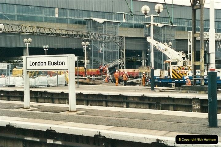 2000-07-22 to 23 London Euston.  (18)  482