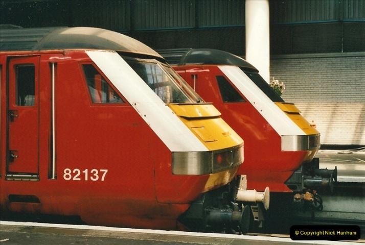2000-07-22 to 23 London Euston.  (21)  485