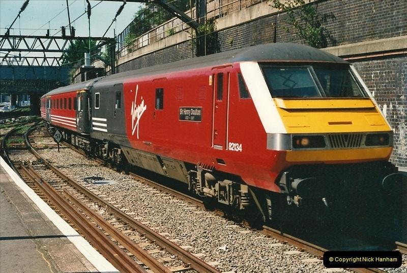 2000-07-22 to 23 London Euston.  (26)  490