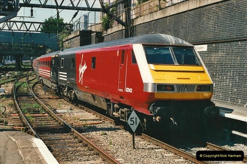 2000-07-22 to 23 London Euston.  (28)  492