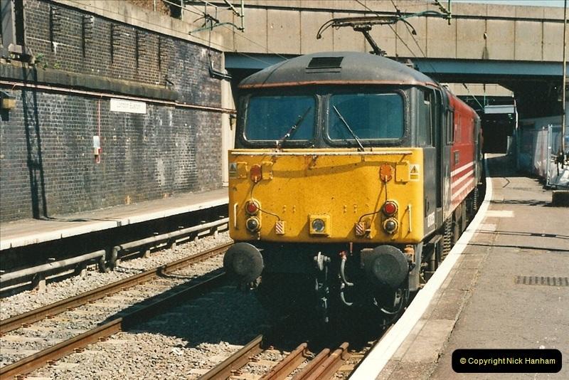 2000-07-22 to 23 London Euston.  (30)  494