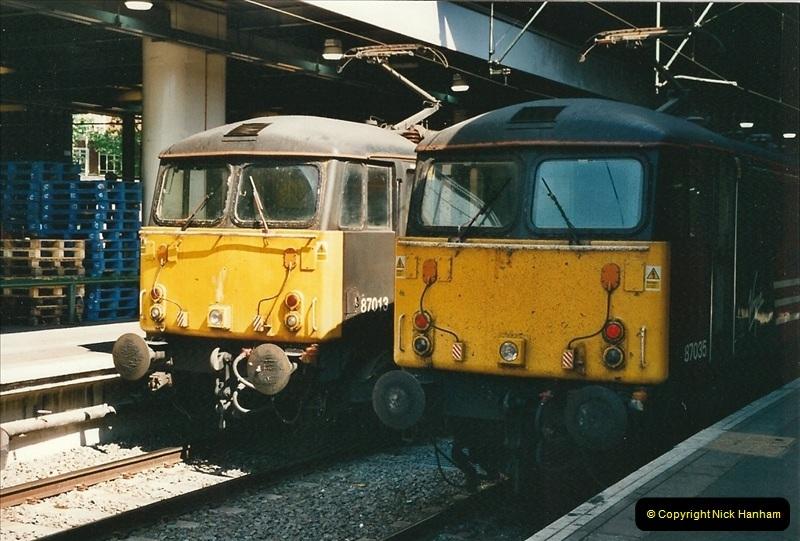 2000-07-22 to 23 London Euston.  (33)  497