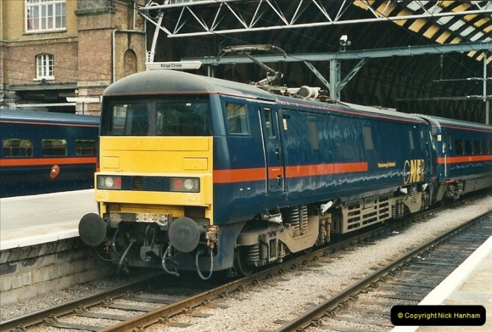 2000-07-22 to 23 London Kings Cross.  (3)503