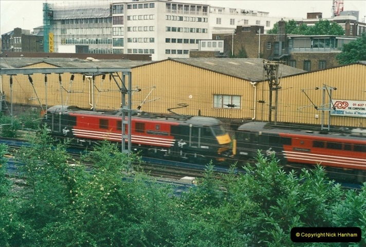 2000-07-23 to 30 West Coast main line @ Camden Town. (2)516