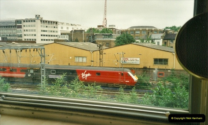 2000-07-23 to 30 West Coast main line @ Camden Town. (5)519