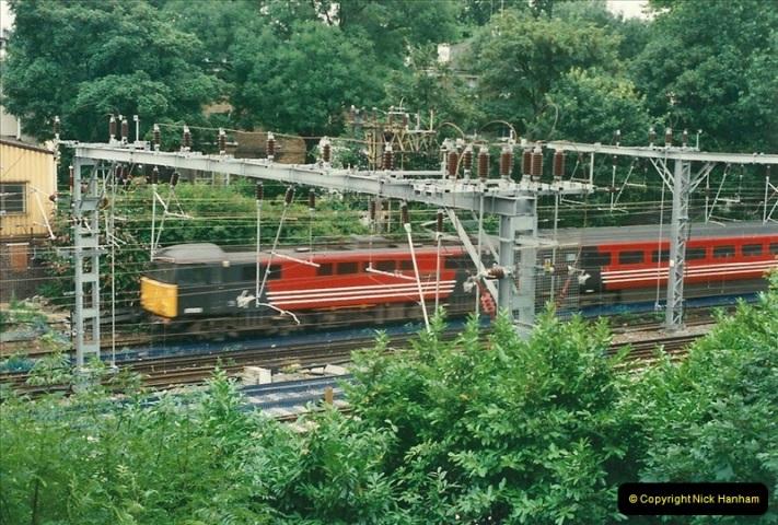 2000-07-23 to 30 West Coast main line @ Camden Town. (6)520