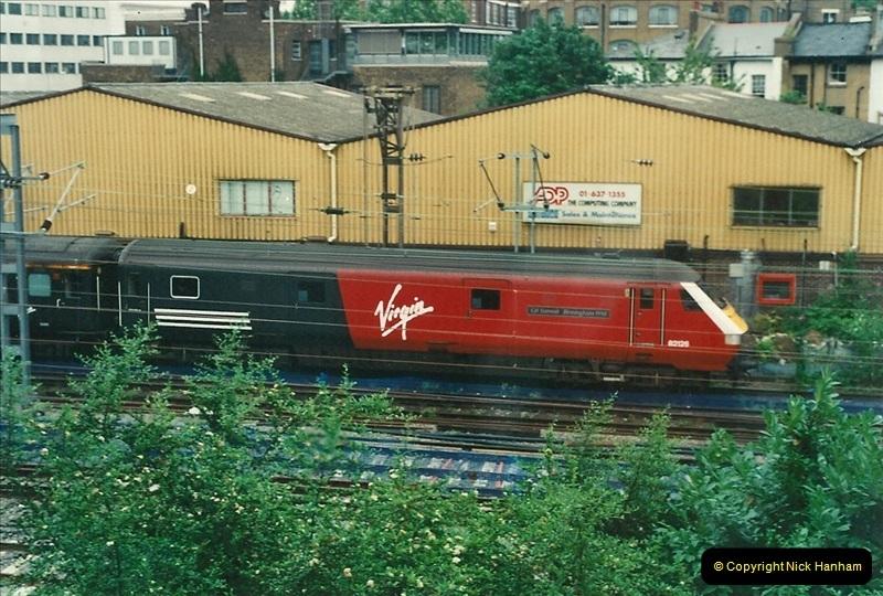 2000-07-23 to 30 West Coast main line @ Camden Town. (9)523