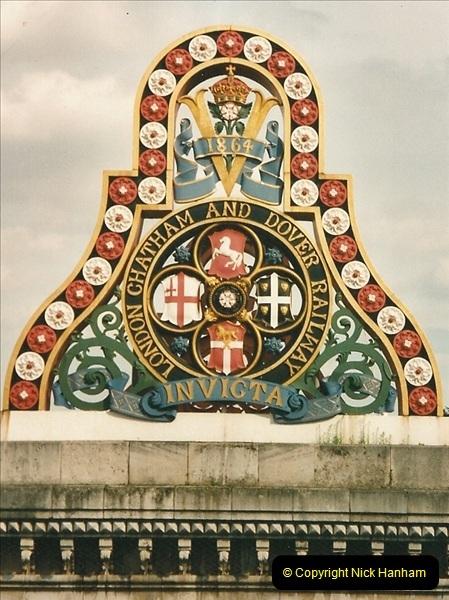 2000-09-12 London.  (1)526