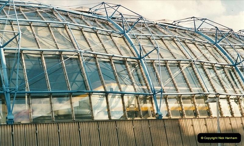 2000-09-12 London.  (3)528