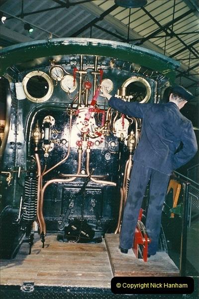 2000-11-08 Steam Museum, Swaidon, Wiltshire.  (26)579