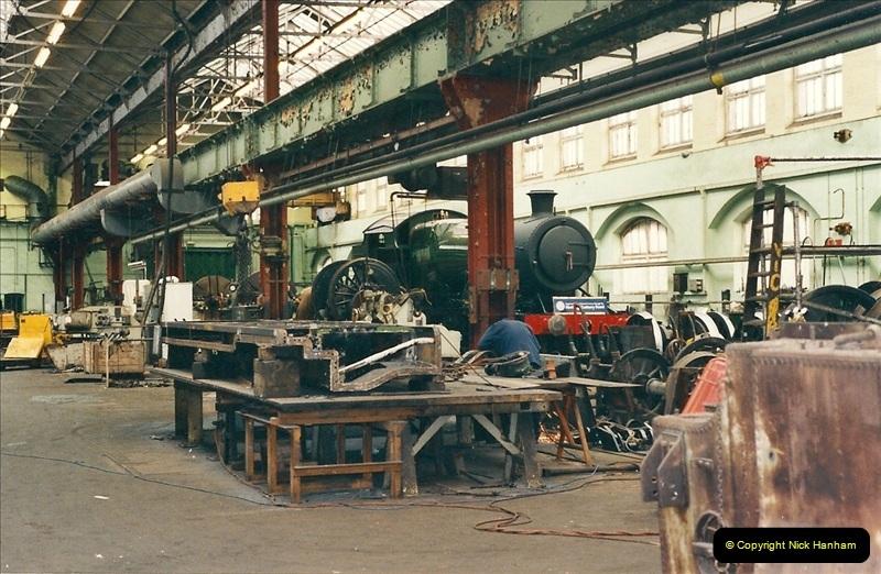 2000-11-08 Swindon Works, Swindon, Wiltshire.  (2)596
