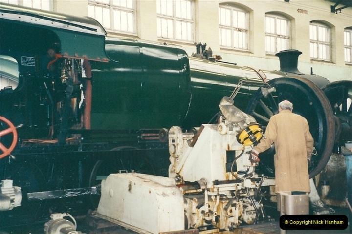 2000-11-08 Swindon Works, Swindon, Wiltshire.  (3)597