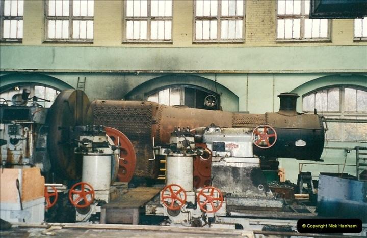 2000-11-08 Swindon Works, Swindon, Wiltshire.  (4)598