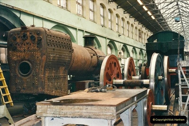 2000-11-08 Swindon Works, Swindon, Wiltshire.  (5)599