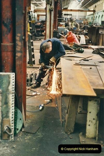 2000-11-08 Swindon Works, Swindon, Wiltshire.  (7)601