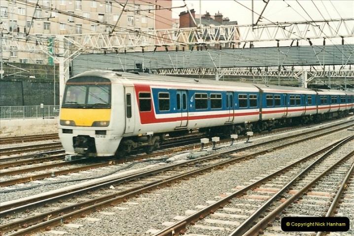 2001-03-27 Euston, London.  (3)613
