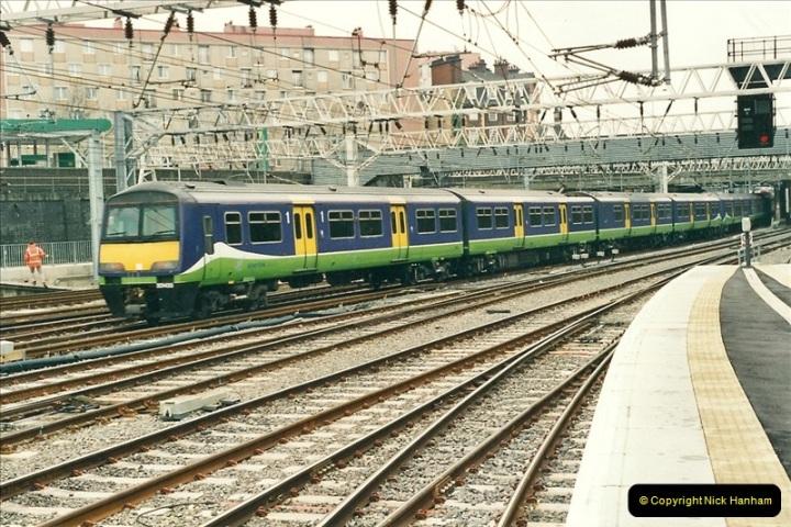 2001-03-27 Euston, London.  (5)615