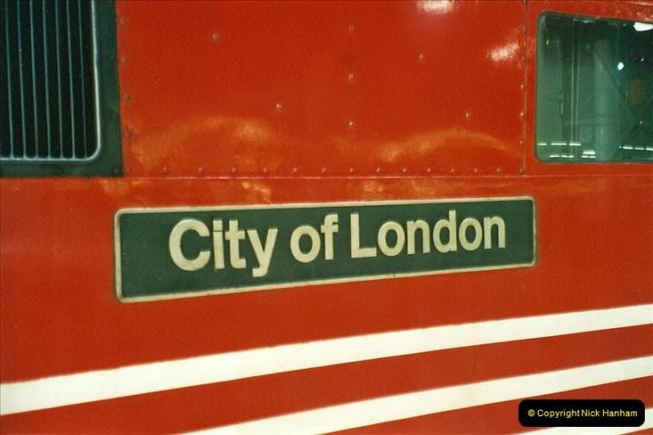 2001-03-27 Euston, London.  (7)617