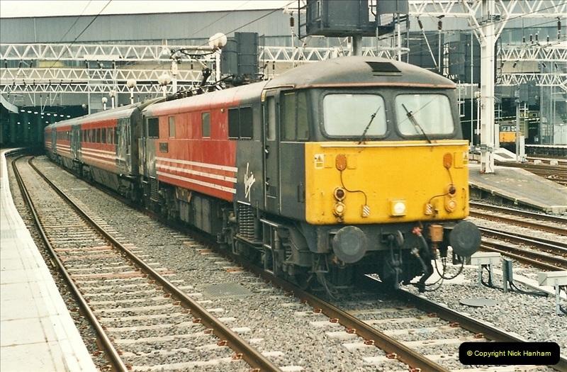 2001-03-27 Euston, London.  (9)619