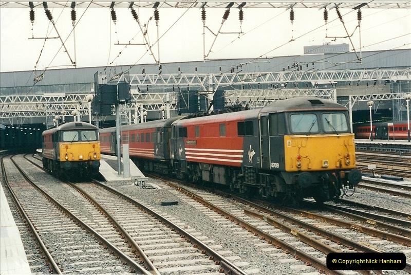 2001-03-27 Euston, London.  (13)623