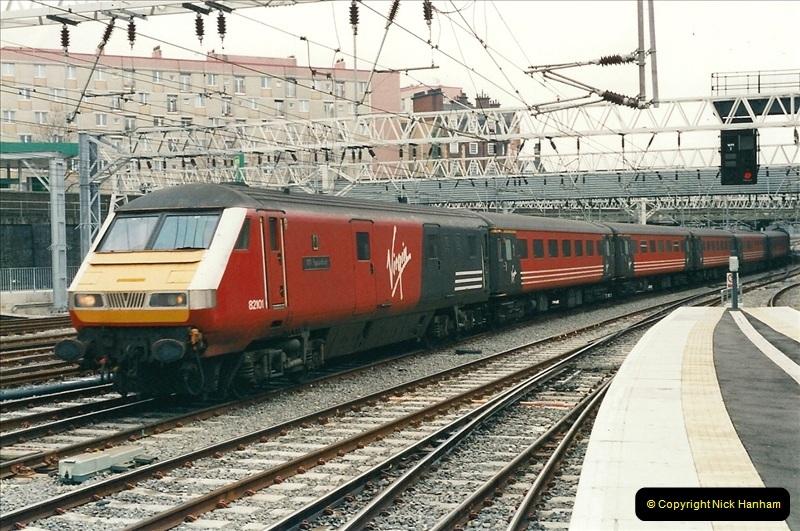 2001-03-27 Euston, London.  (14)624