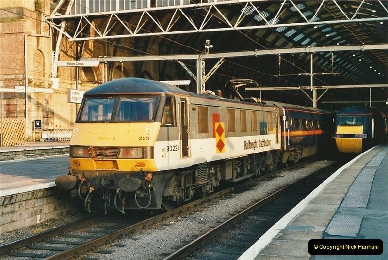 2001-06-21 London Kings Cross.  (1)677