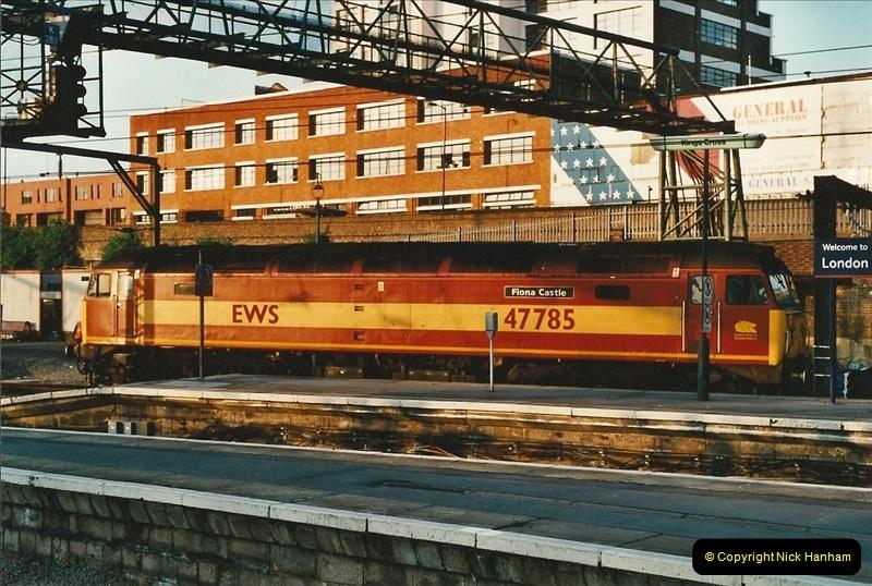 2001-06-21 London Kings Cross.  (2)678