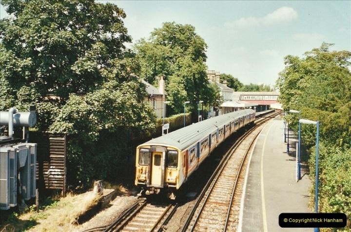 2001-07-28 Teddington, Middlesex.  (1)680