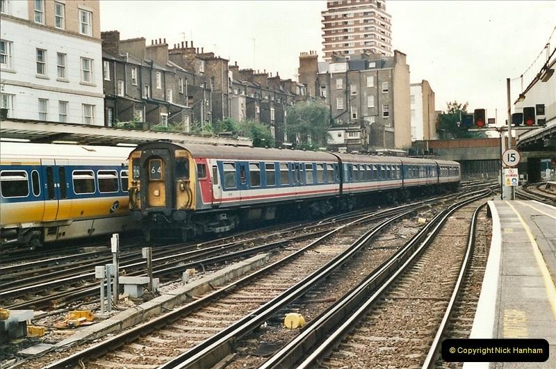 2001-08-22 London Victoria.  (3)694
