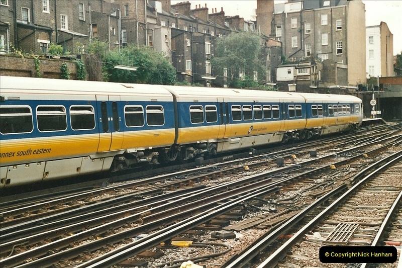 2001-08-22 London Victoria.  (4)695