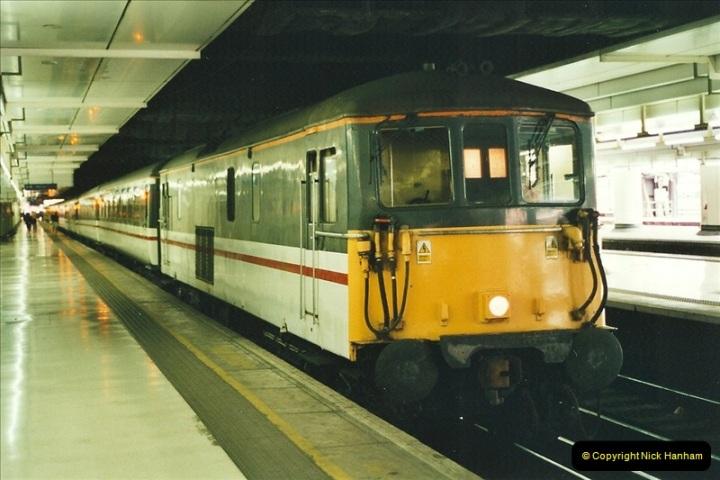 2001-08-22 London Victoria.  (6)697