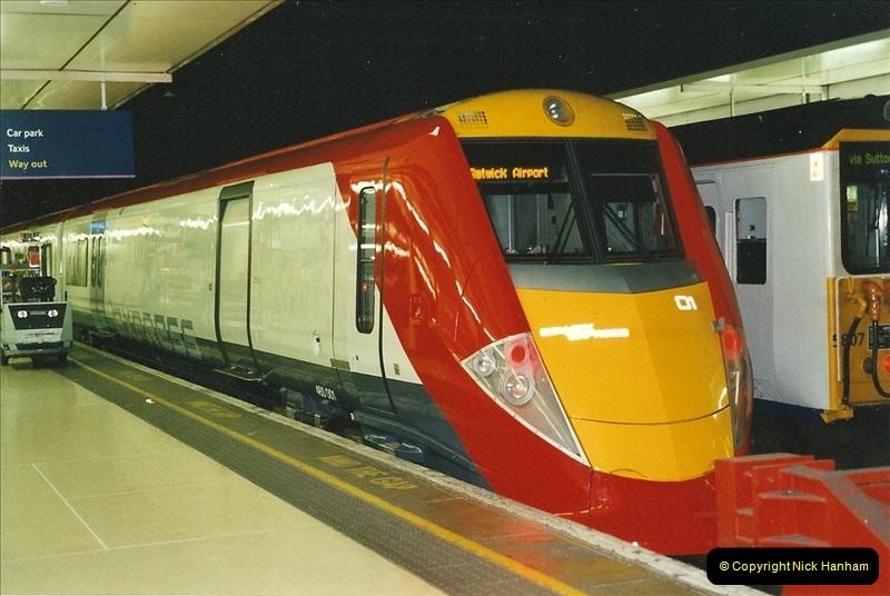 2001-08-22 London Victoria.  (7)698