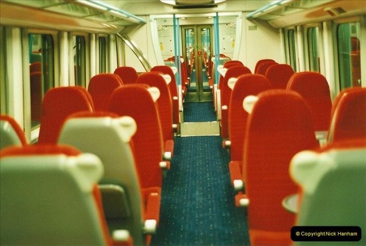 2001-08-22 London Victoria.  (9)700