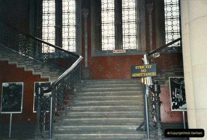 2001-11-03 London St. Pancras.  (3)719