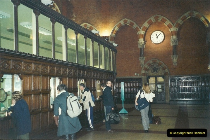 2001-11-03 London St. Pancras.  (4)720